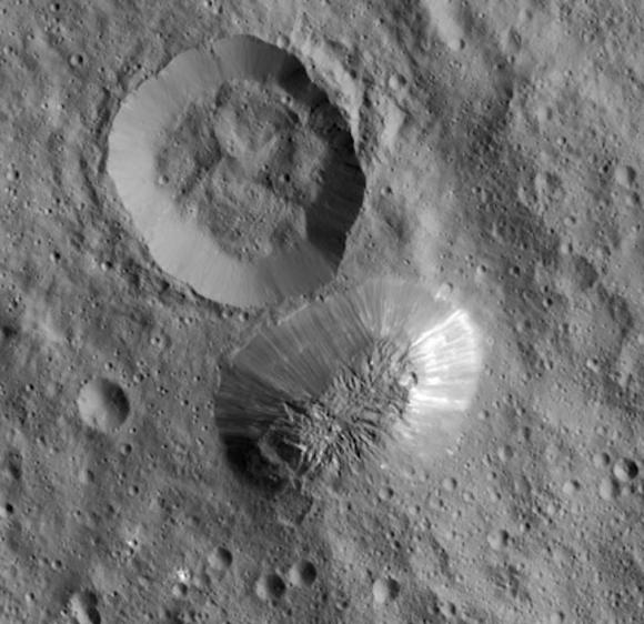 Ahuna Mons, la montaña más alta de Ceres (NASA/JPL-Caltech/UCLA/MPS/DLR/IDA/PSI).