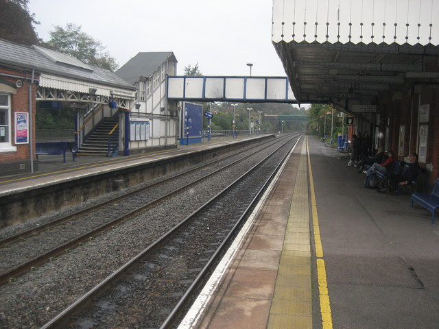 Goring And Streatley Station Chris Heaton Cc By Sa 2 0