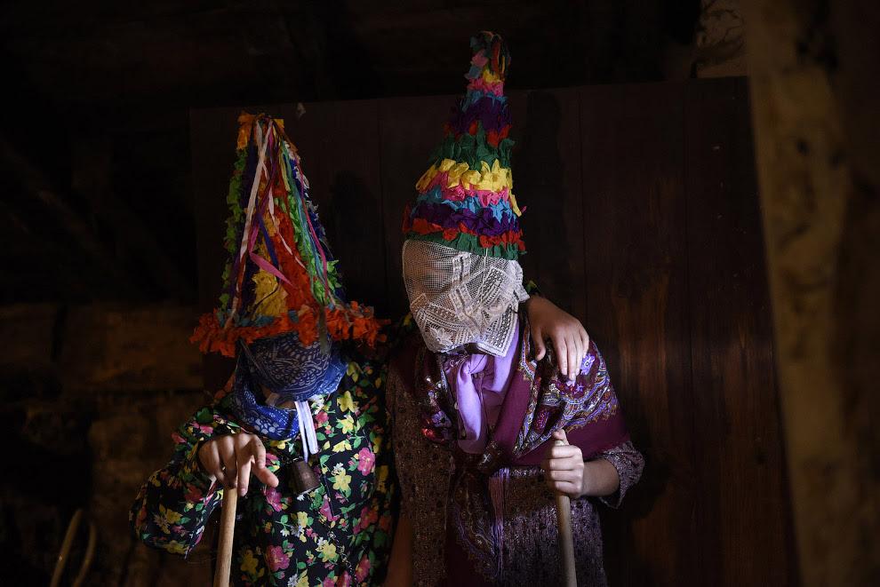 Дружбаны в северной испанской деревне Наварры