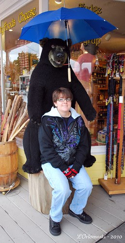 Jamie & the bear at Zeb's
