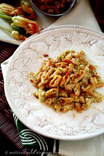Cavatelli di fiori di zucca con crema di zucchine da tinuccia z..