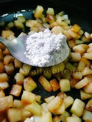 pizca de harina para la manzana