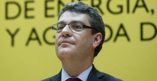 El nuevo ministro de Energía, Turismo y Agenda Digital, Álvaro Nadal, durante el acto de su toma de posesión, en la sede del Ministerio en Madrid. EFE/Kiko Huesca