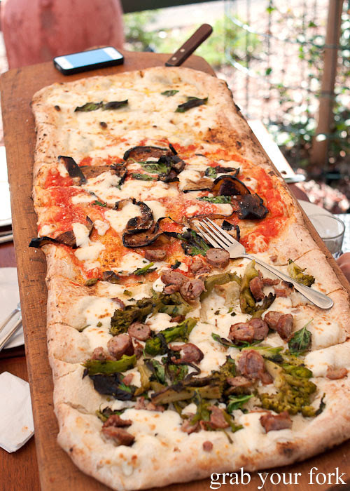 one-metre pizza via napoli lane cove
