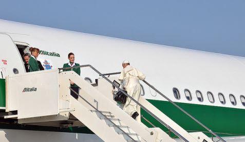 Voyage dans les pays baltes: Premières impressions du pape François
