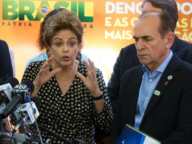 Dilma Rousseff e Marcelo Castro (Foto: Aldo Carneiro/Pernambuco Press)