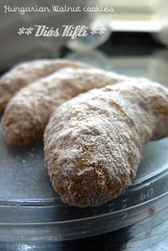 Cooking In Hungary Hungarian Walnut Cookies Di 243 S Kifli