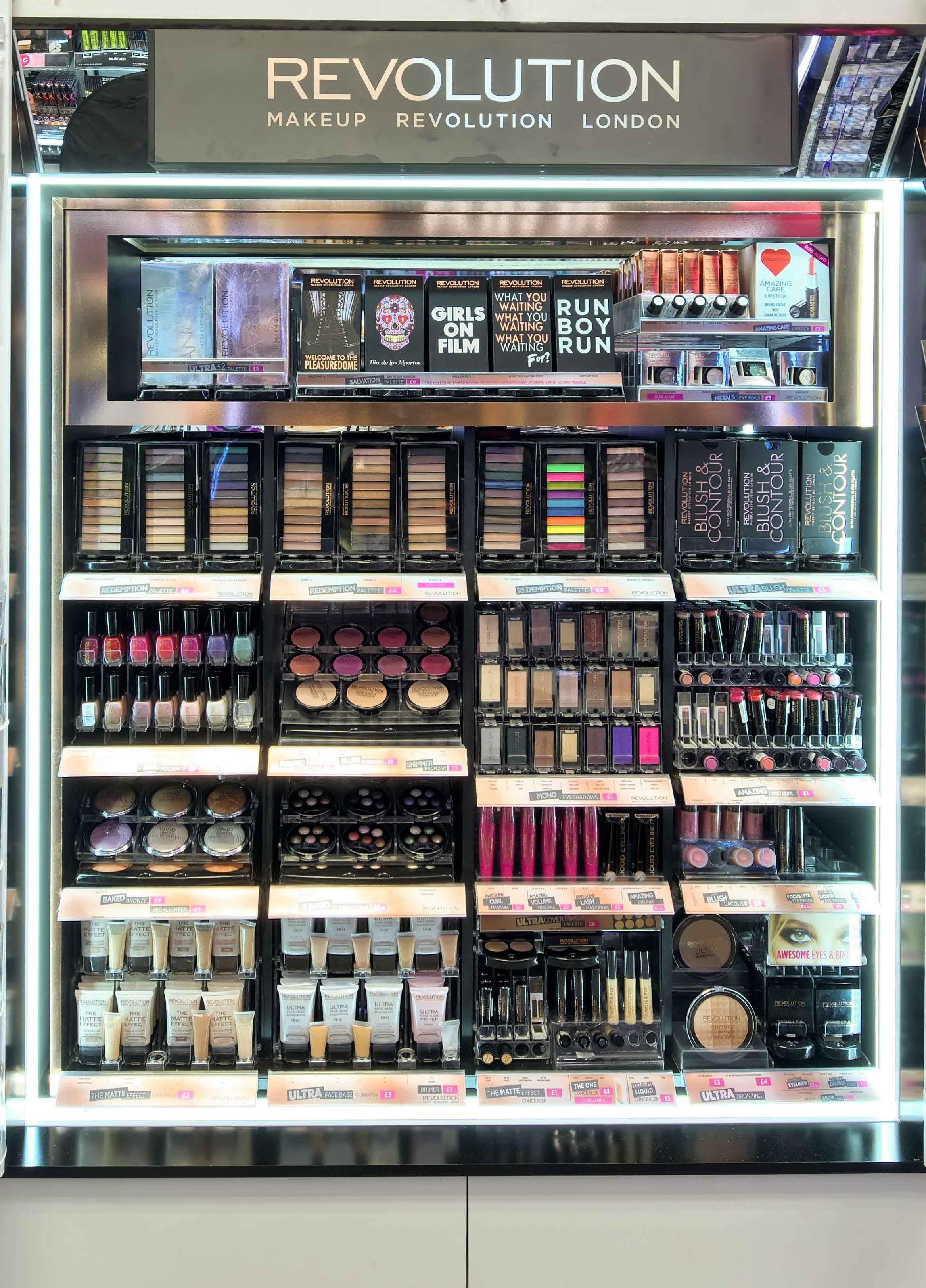 Revolution makeup london set