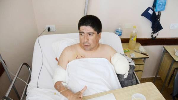 """En el hospital. """"No me había mordido nunca, lo tenía de cachorro"""", dijo ayer Muñoz."""