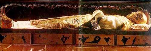 Cuerpo incorrupto del Santo venerado en Goa