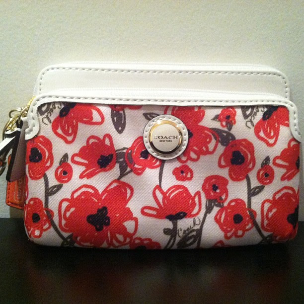 Should I keep this random weekend purchase? It's the #Coach #poppy wristlet for spring.  #whatjessbought #recentfinds #shopping #instapic #igers #igdaily #instadaily #iphonesia #photooftheday #picoftheday #potd