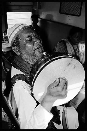 Lete Hi Nam Khwajah Ka Tufan Hat Gaya ..Kashti Main Ake Jaise Samandar Simat Gaya by firoze shakir photographerno1