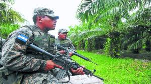 La presencia de militares, es una constante en el Bajo Aguán.
