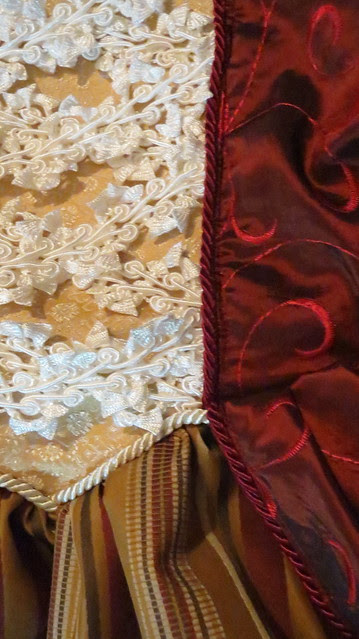 detail bodice