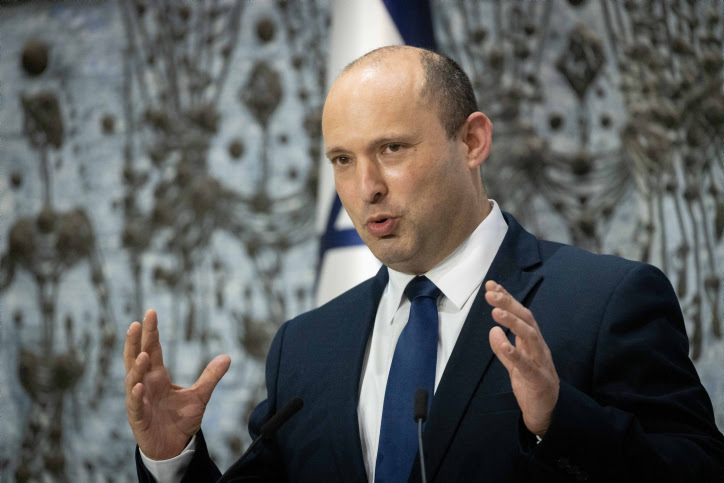 Bennett: Vaccine refusers are endangering the entire country