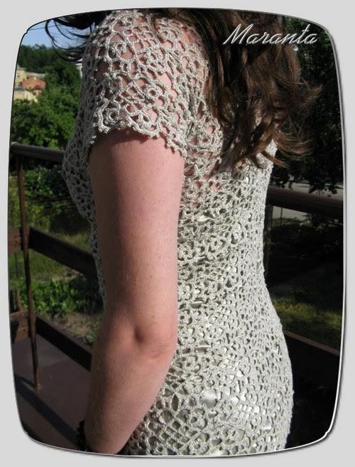 sukienka szydełkowa z kwadratowych elementów