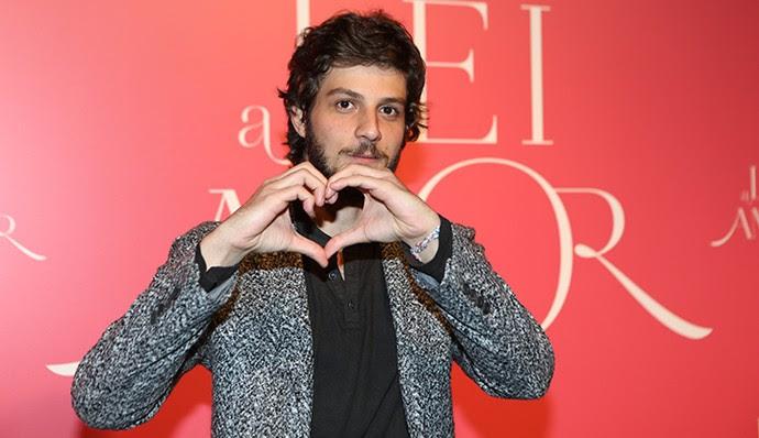 Chay Suede vai dividir o personagem com Reynaldo Gianecchini (Foto: Carol Caminha/Gshow)