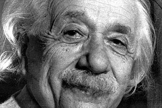 O físico Albert Einstein, em foto de 1955; o cientista apresentou  pela 1ª vez em público sua teoria da relatividade em setembro de 1909