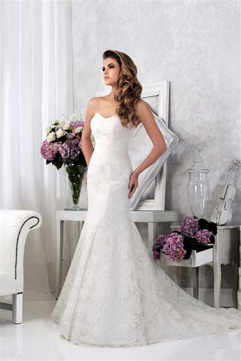 20 of the best new lace wedding dresses for 2014