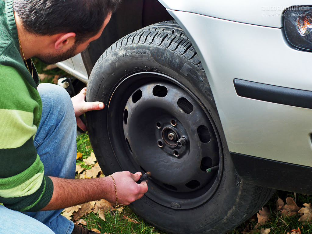 How To Change A Tire Autoevolution