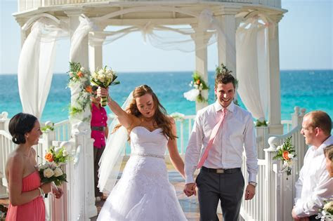 Chloe   Mike   Cuba Wedding   Melia Varadero Wedding