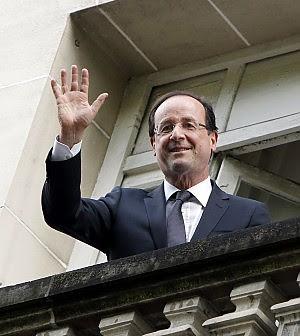 Hollande taglia i super stipendi La prima misura colpisce l'Eliseo