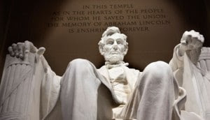 http://www.wakingtimes.com/wp-content/uploads/2015/04/lincoln-monument-300x172.jpg