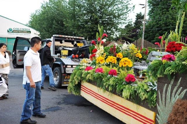 VNCO Float 2013 flowers (47)