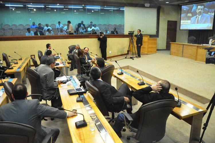 Deputados estaduais rejeitam sugestão para alterar os planos de cargos e salários dos servidores