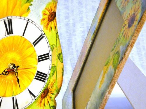 Солнце в подсолнухах. Часы и фоторамка