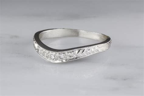 Antique c. 1930s Edwardian Platinum Wedding Band with