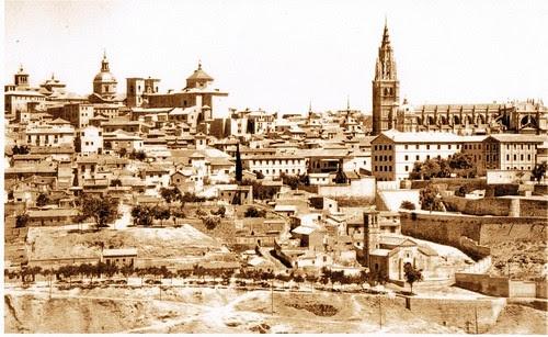 Catedral de Toledo, España, desde el Valle