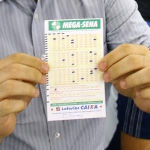 Volante usado para fazer apostas para os concursos da Mega-Sena
