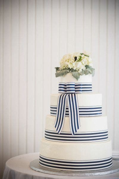 Best 25  Aqua wedding cakes ideas on Pinterest   Aqua