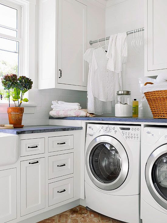 """Never thought a laundry space would end up on my """"favourite places and spaces"""" board! very bright, fresh and CLEAN! The L-Shape Laundry Room"""