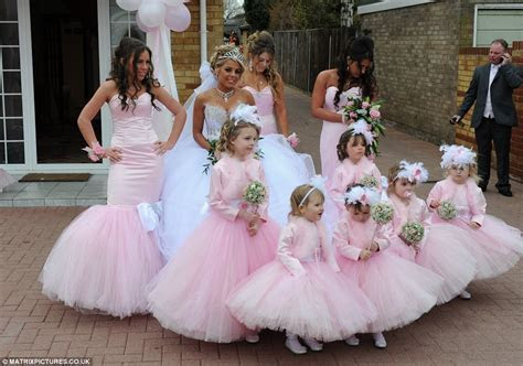 bad bridesmaid style ugly bridal party photos wedding fun
