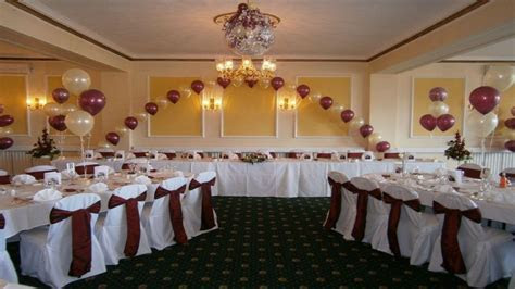 Simple wedding decoration, simple vintage wedding