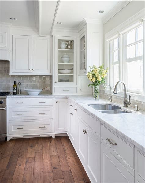 White kitchen with Inset Cabinets   Home Bunch Interior Design Ideas