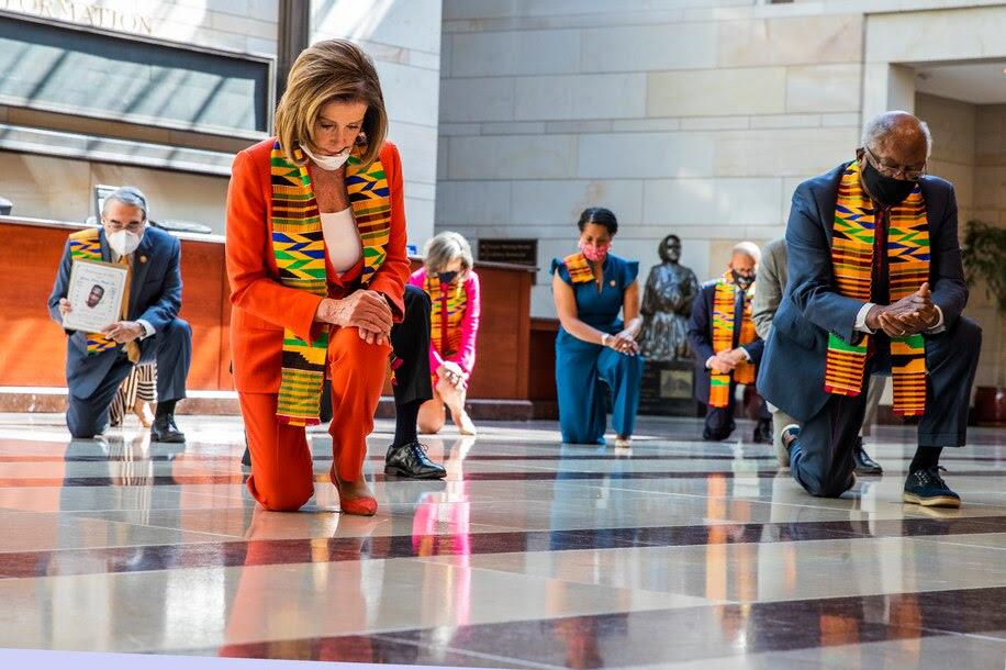 Kente Cloth Is Beloved In Ghana. Why Did Democrats Wear It ...