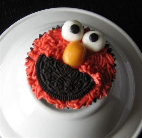 Custom Cakes by Julie: July 2011