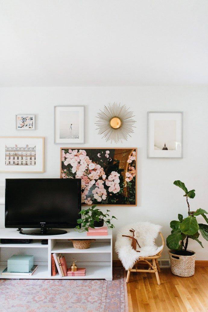 Bir TV Çevresi Dekorasyon