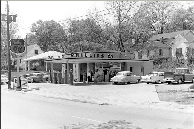 Gas Station 1950s Phillips 66 Gas Station 1950 Gas Stations Tires And Car Accesories