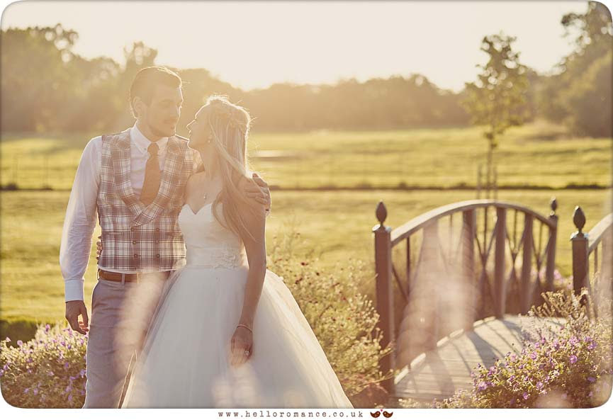 Beautiful evening sunset wedding photo - www.helloromance.co.uk
