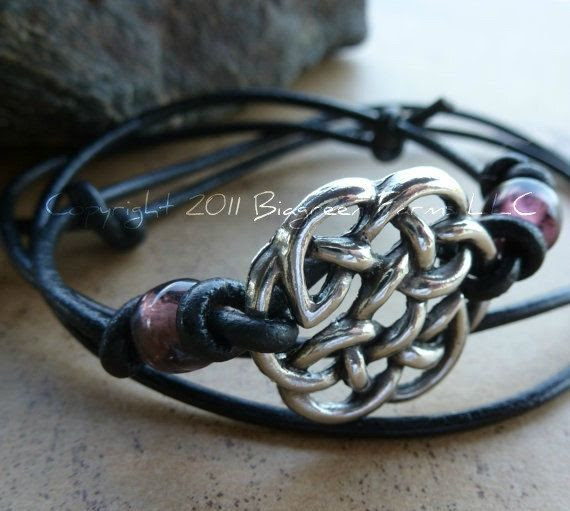 celtic knot bracelet! I'm obsessed with celtic jewelry!