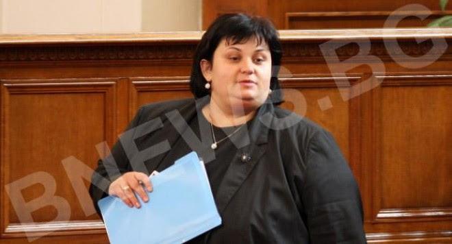 депутатката Искра Фидосова