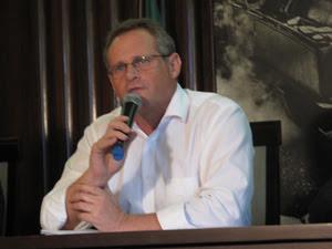 Secretário José Mariano Beltrame divulga dados de segurança
