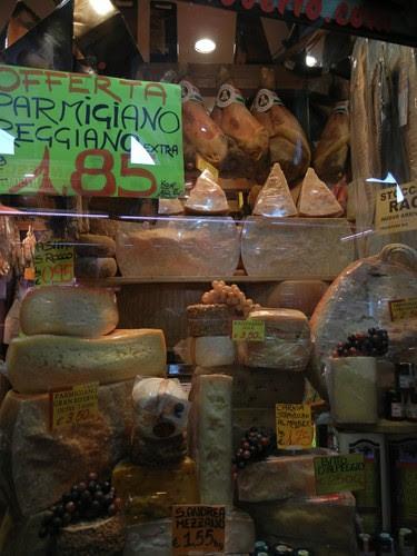 DSCN0807 _ Market in Palazzo della  Ragione, Padova, 12 October