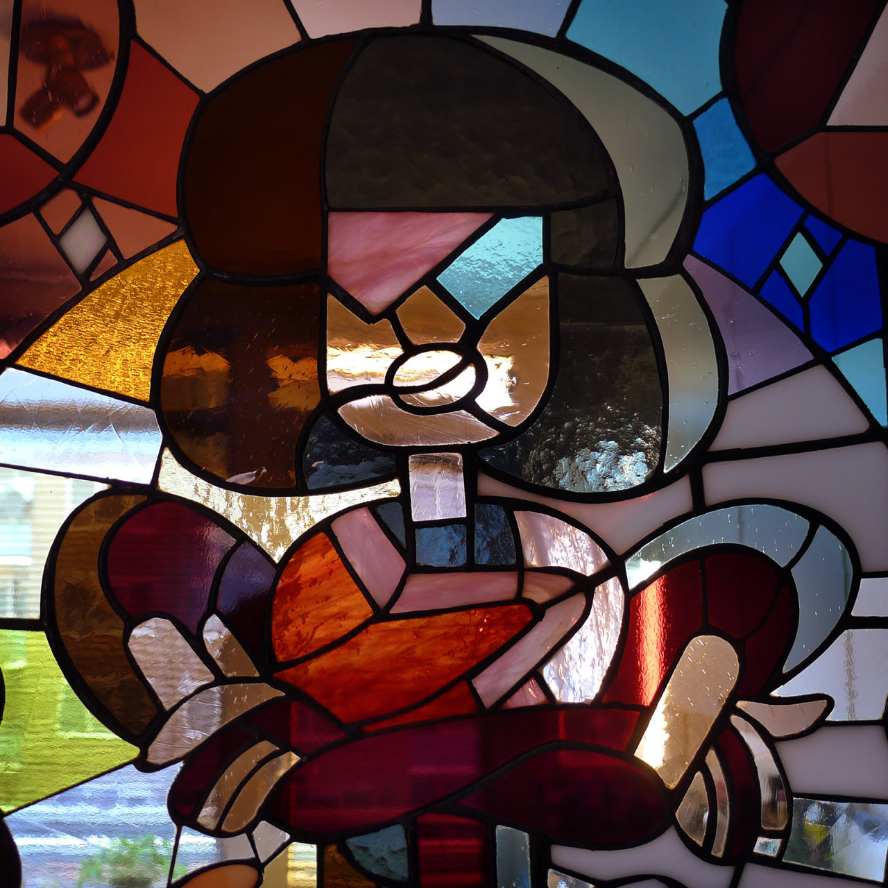 I made a SU inspired stained-glass design and collaborated with @stainedglassgeek who made it in an actual stained-glass window! So proud of the result!! :D If you want more geeky stained glass...