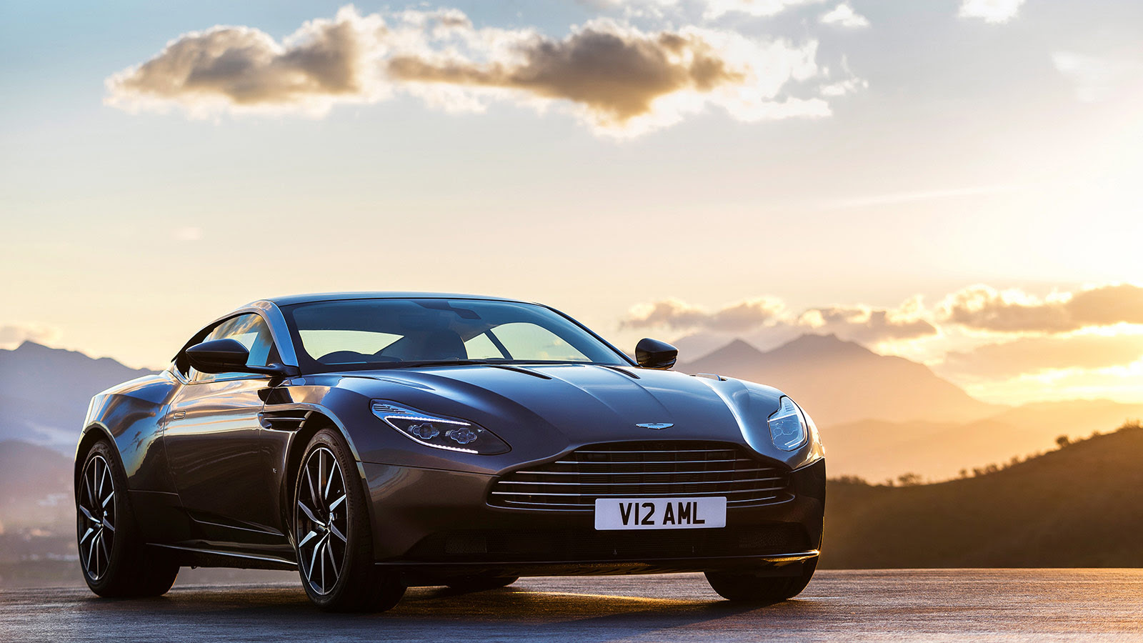 The Db11 The New Face Of Aston Martin Cnn Style