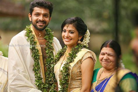Actress Shivada Nair Wedding Photos   Kerala Wedding Style